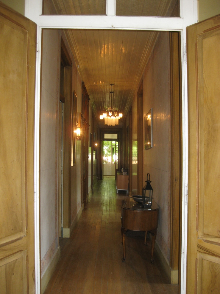 1_house_Hallway