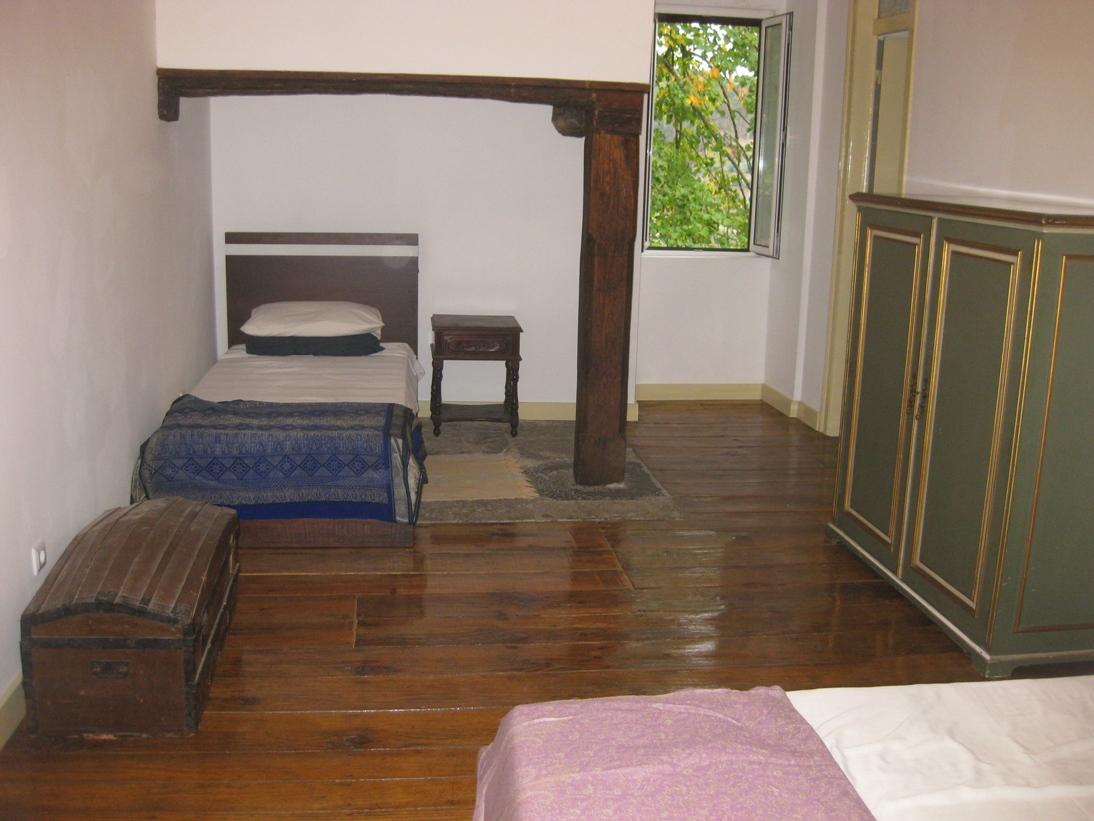 2_house_bedroom1